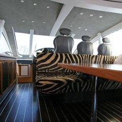 06-gallery-yacht