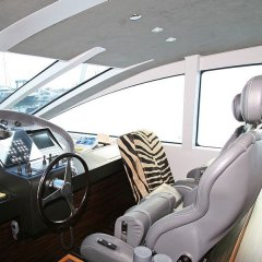 12-gallery-yacht